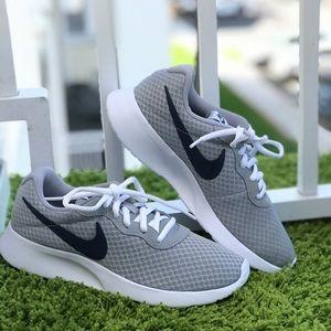 NWT Nike Tanjun Wolf Grey WMNS
